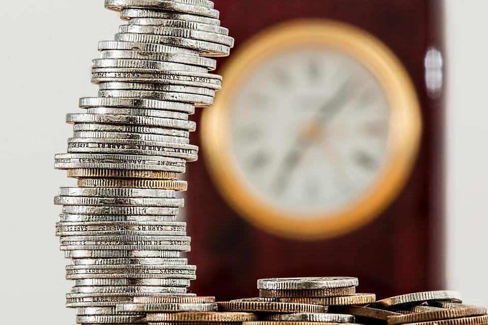 Půjčka před výplatouz by měla nabídnout peníze za pár minut