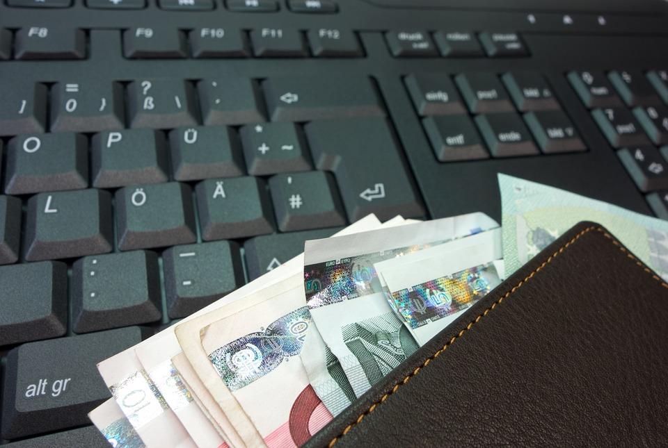 Bankovní převod snadno uskutečníte online